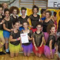 Fetele de la Ghibu în prima ligă a dansului modern internaţional