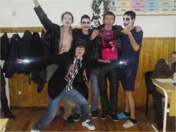 Halloween, clasa a XI-a