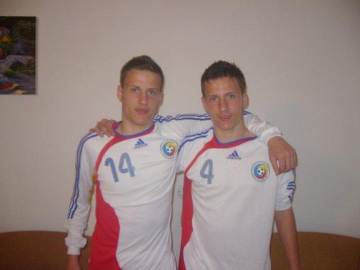Fraţii Adrian şi Valentin Petricău, colegi de clasă şi colegi de echipă
