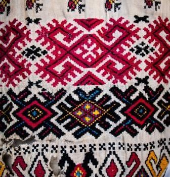 SEMNE #10 ie, Lunca Vişagului, Cluj, colecţia etnografică Al. Sanislav © Harris Wallmen
