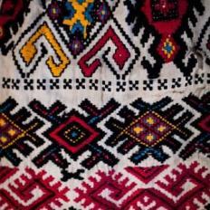SEMNE #12 ie, Lunca Vişagului, Cluj, colecţia etnografică Al. Sanislav © Harris Wallmen