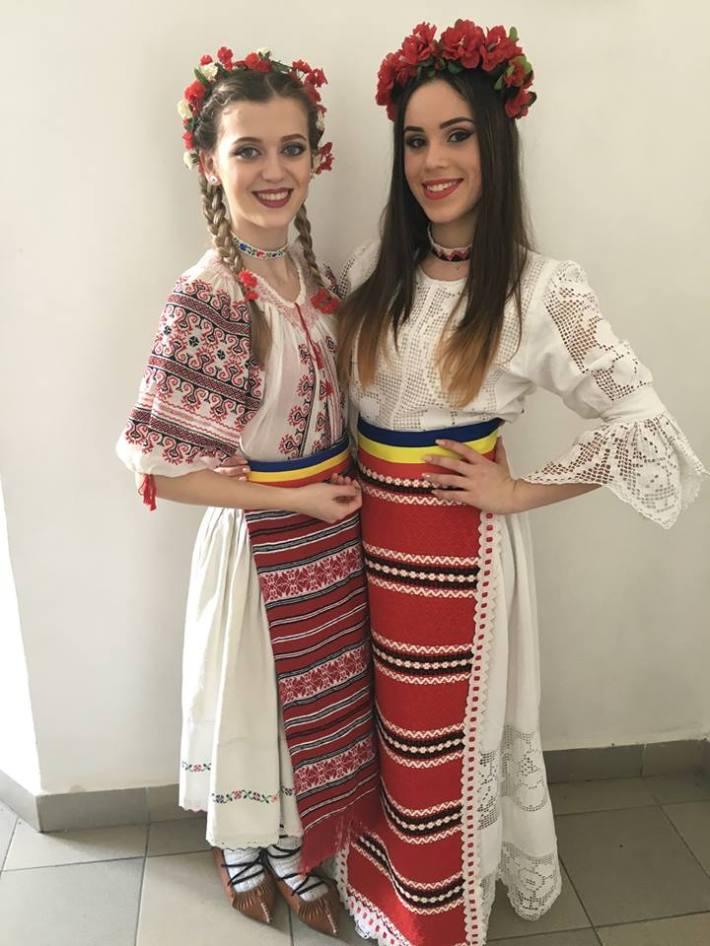 Roxana si Andrada Oros