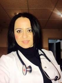 Mihaela in postura de asistentă medicală generalistă (sursă: Facebook Mihaela Paşca)