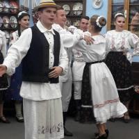 RELISA CIORBA & GEORGIANA ŞTIUBE: Tradiţia văzută pe micile ecrane. Plus VIDEO