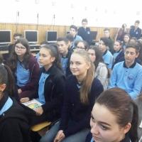 SZABO PAULA: Ziua Mondială a Educaţiei la IX C