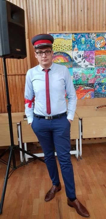 Comunistul român, interpretat de George Vlad Paul