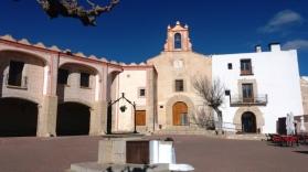 """Ermita este o capela, initial un loc de rugaciune si meditatie din Vinarós, cunoscut sub numele de Ermita de la Misericordia de San Sebastian( """"patronul orasului""""). Acest templu catolic este situat in partea de sus a dealului Mercy, la 6 km de centrul orasului"""