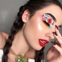 ADRIANA UNGUR & PATRICIA ILEA: O artistă diferită!