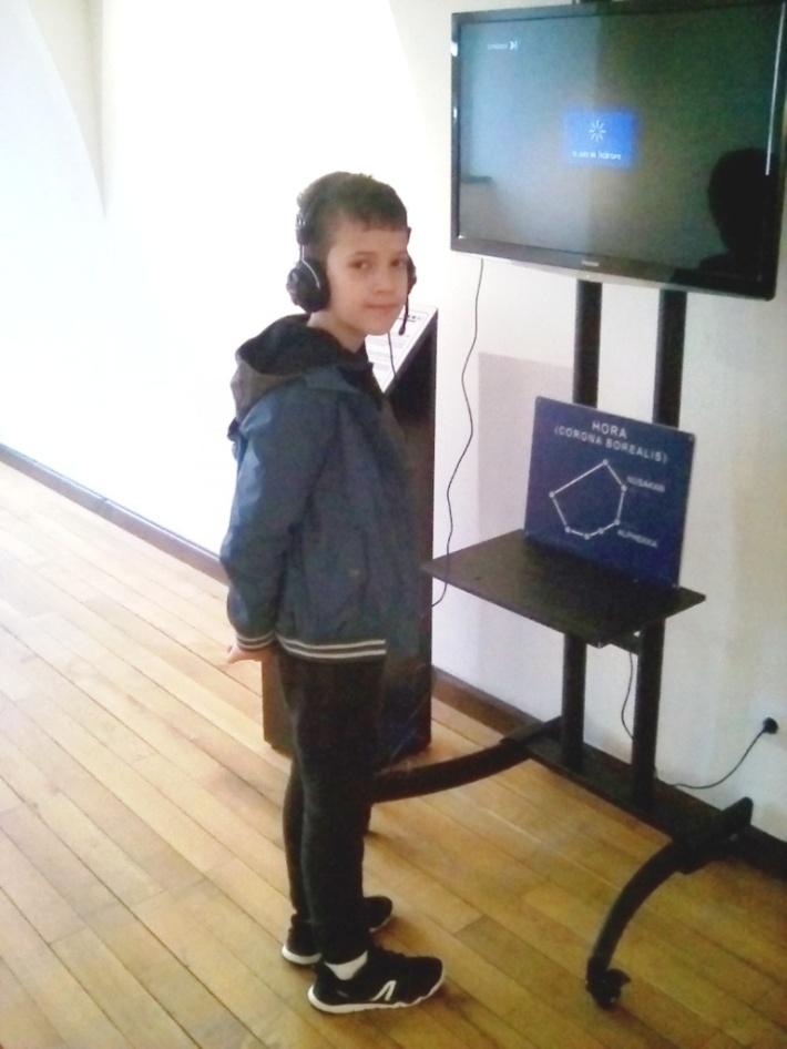 Andrei la expozitia din cetate.