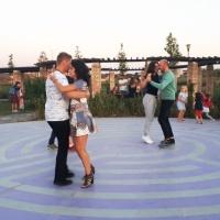 ROXANA BAR & SZABO PAULA: Feeling Dance caută membri de toate vârstele