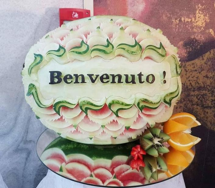 Autor fruit carving: Elisei David