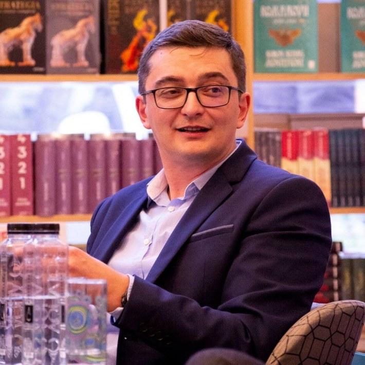 Prof. univ. dr. Adrian Hatos