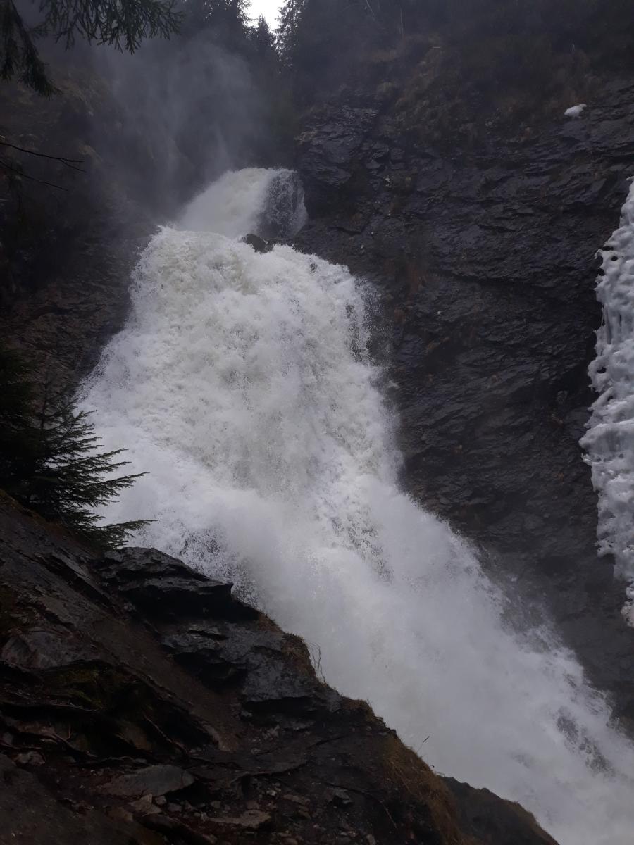 Cascada Vălul Miresei. AUDIO
