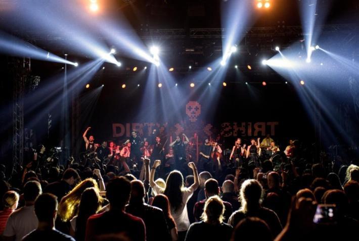 dirty shirt02