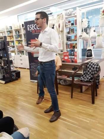 """VLAD MOCANU, autorul cărţii """"Eşecuri de succes"""". Foto: Emanuel Gavrilă"""