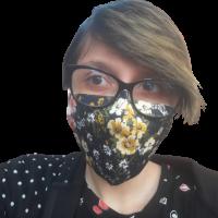 ELENA: Mai bine o mască decât un zâmbet fals