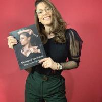 MEDINA & DAIANA: Antonia a scos «Abecedarul Machiajului»